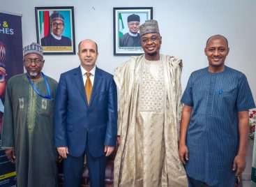 Nile University Delegation Visits Minister of Communication and Digital Economy